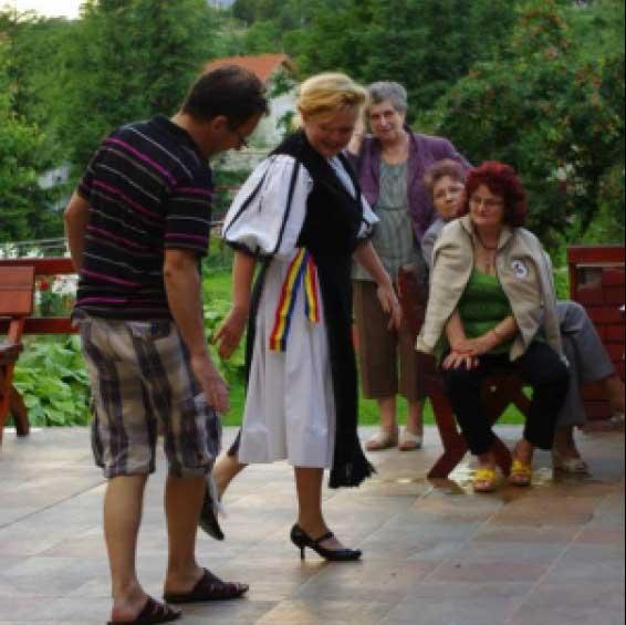 dansuri-populare-alba-iulia